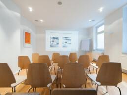 Seminarraum in der Praxis Dr. Girthofer in München