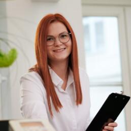 Christina Schreck, der freundliche Empfang in der Praxis Dr. Girthofer in München